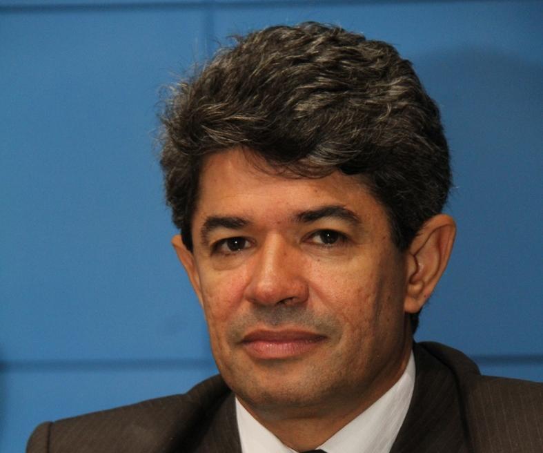 Deputado diz que PSDB não escolhe adversário e destaca lutas como a defesa da vida e a prevenção à violência