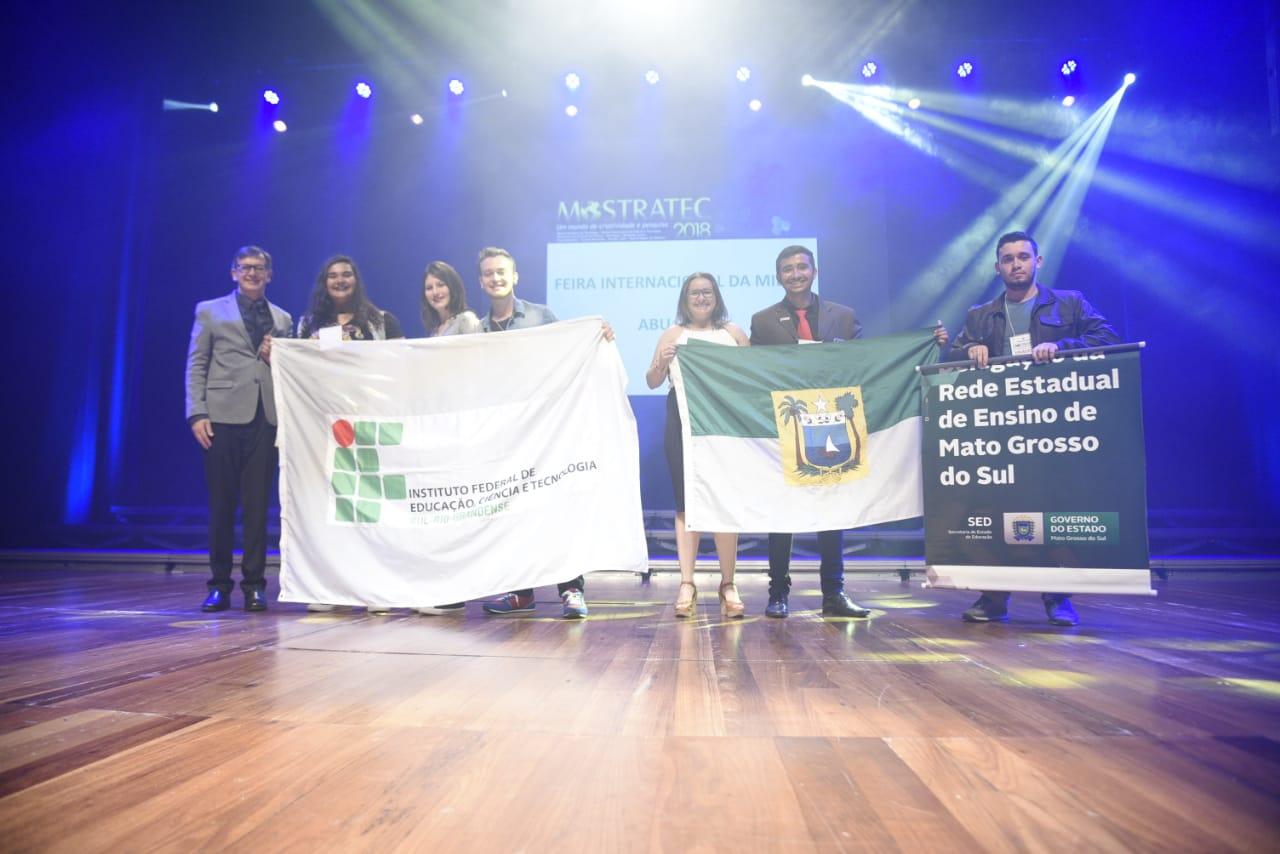 Premiação da Mostra Internacional de Ciência e Tecnologia credenciou estudantes para feiras nos EUA e Emirados Árabes