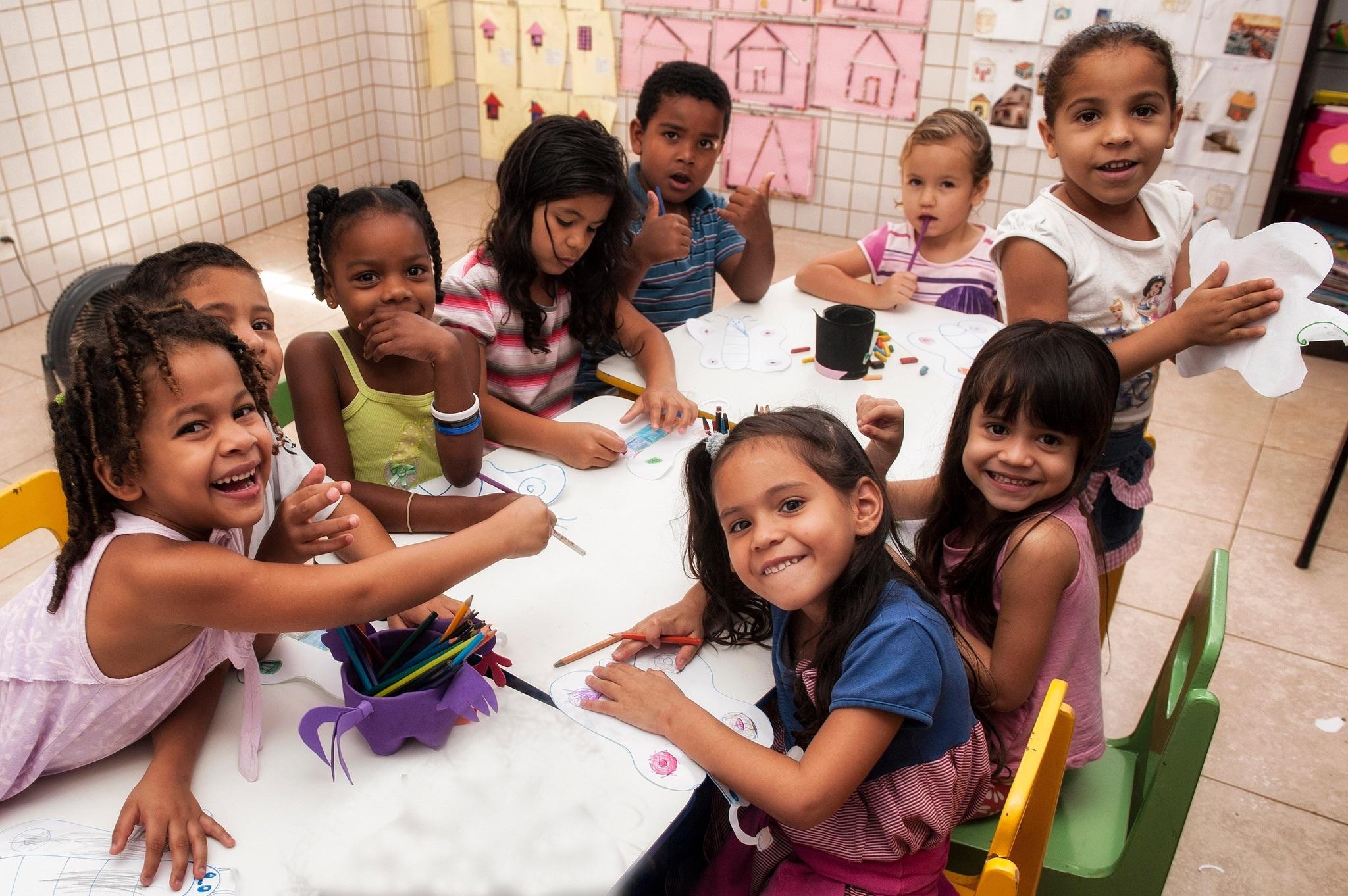 As inscrições são gratuitas e as bolsas de estudo são de 50% nas mensalidades para creches e escolas particulares