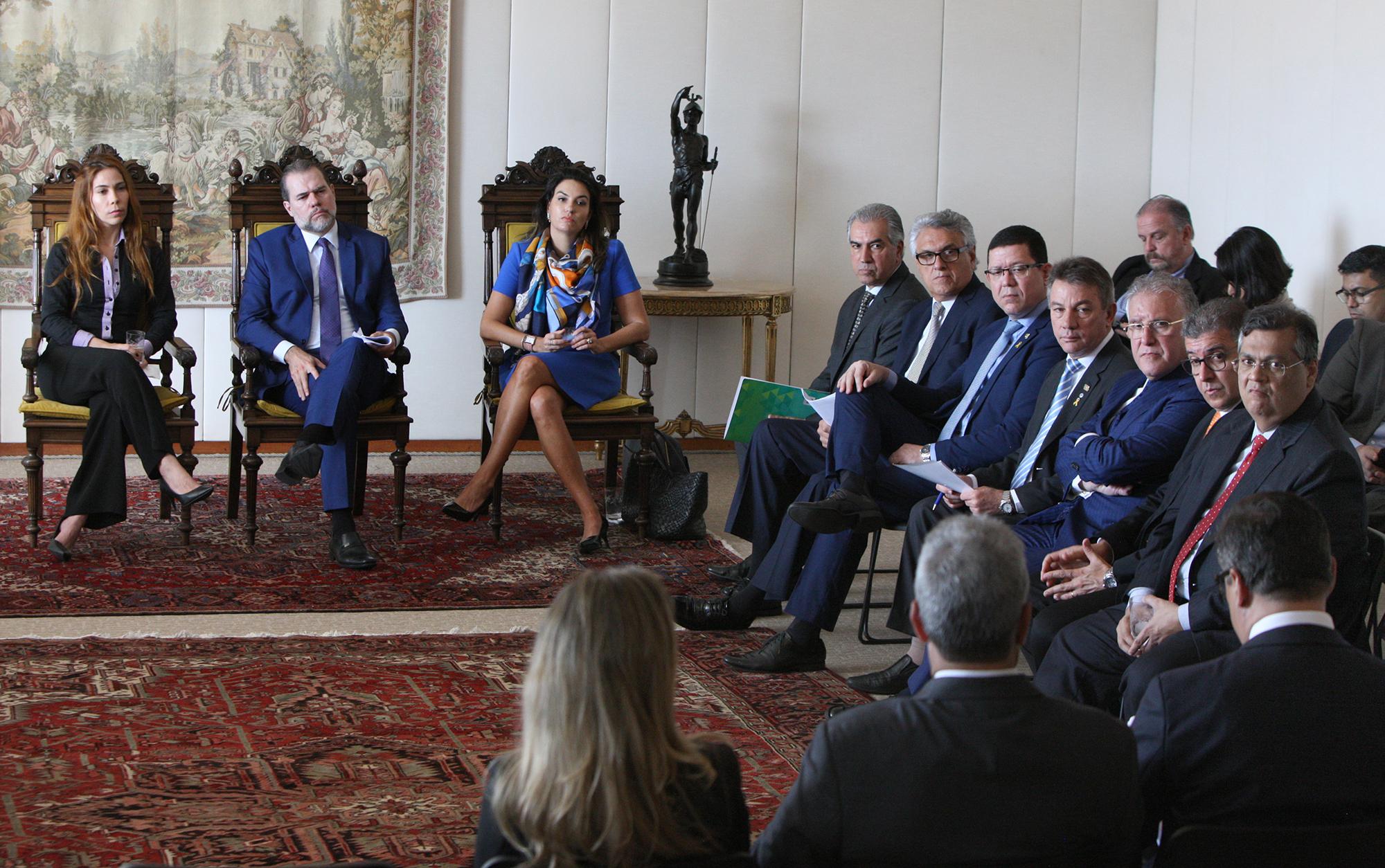 Reinaldo Azambuja no grupo de 10 governadores, com Dias Toffoli: expectativas positivas para os julgamentos