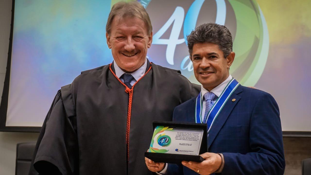 Rinaldo e João Maria Lós, presidente do Tribunal: compromisso com a democracia