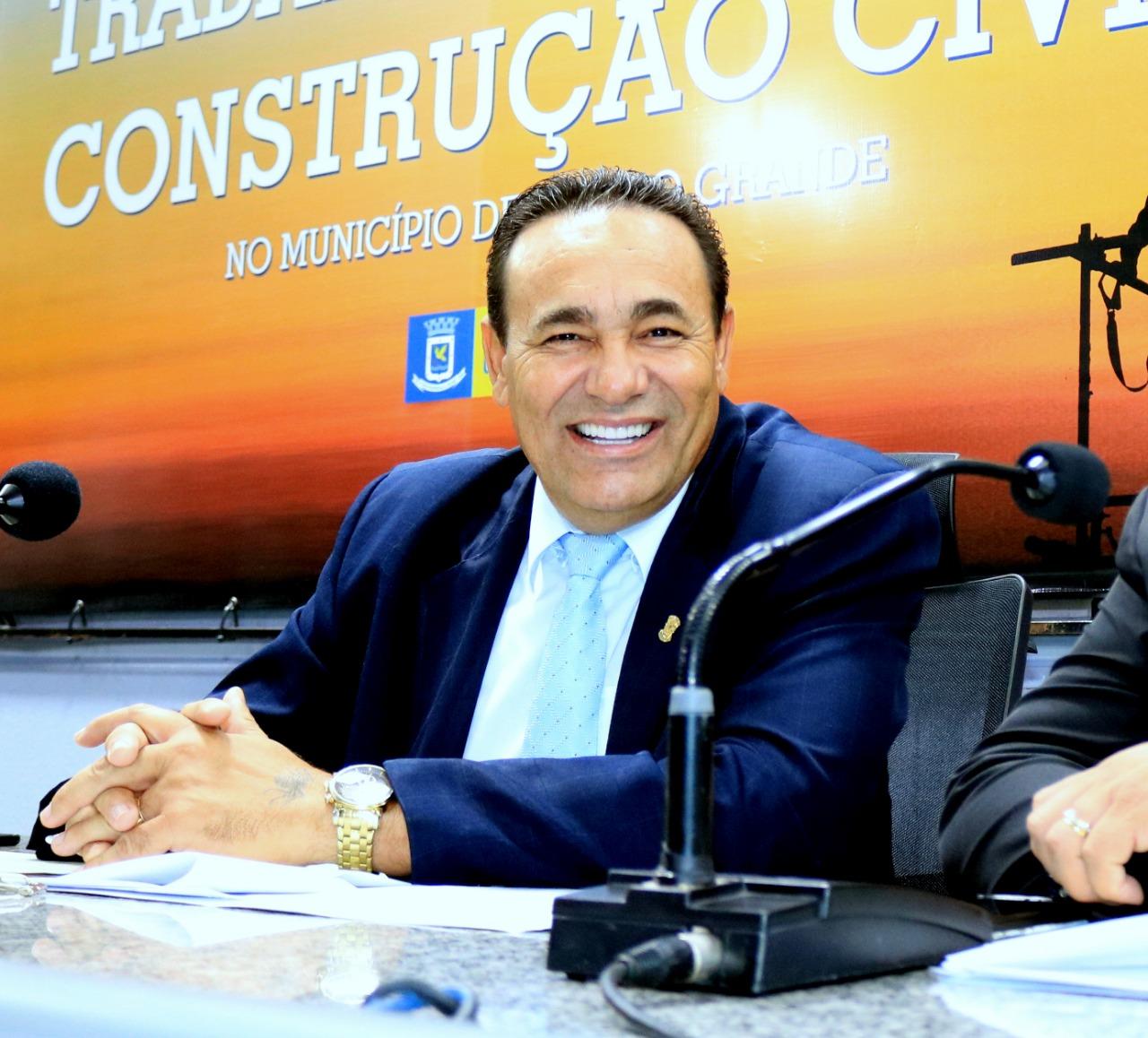 """Carlão Borges: """"A união entre governos e Câmara tem sido benéfica, basta vermos os avanços na cidade"""""""