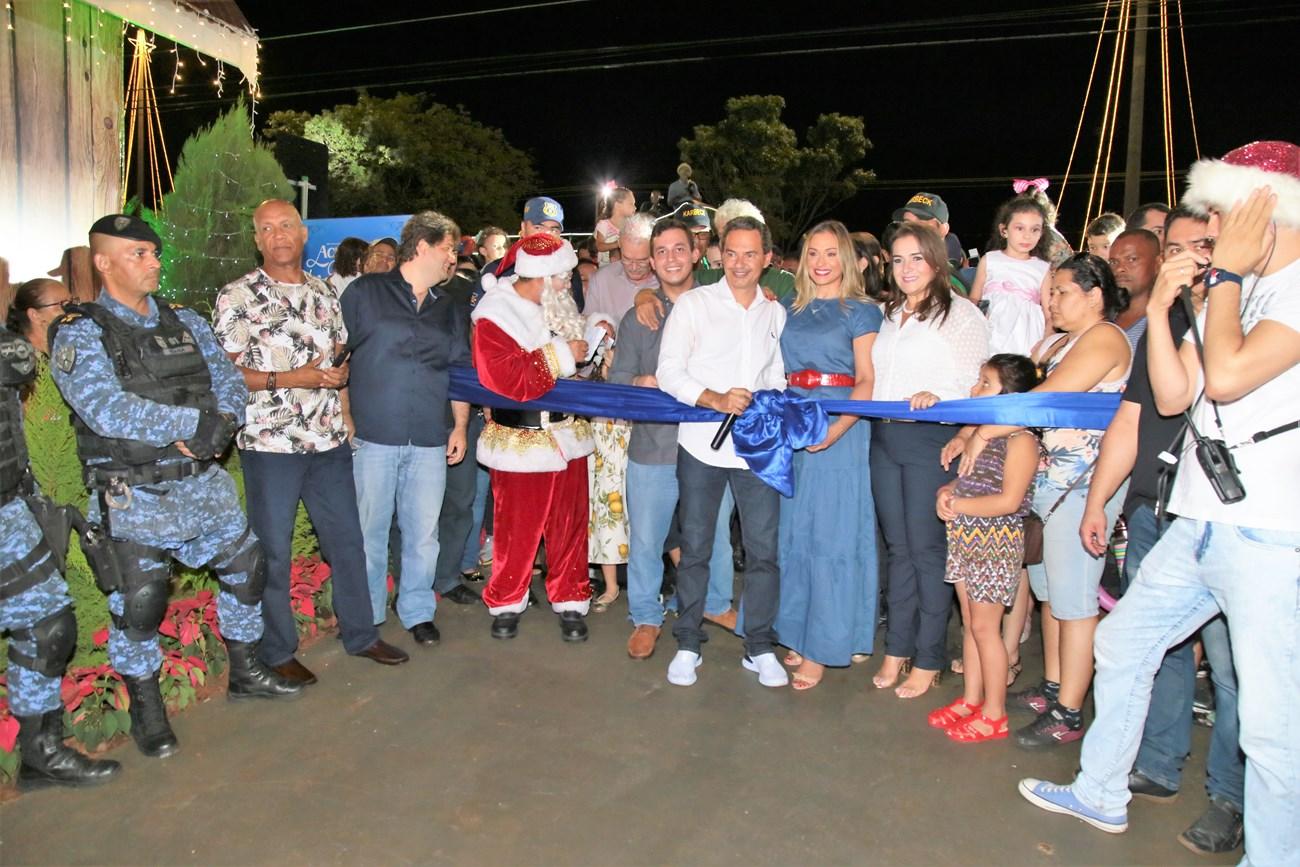 Marquinhos, Tatiana e autoridades misturados com o povo na inauguração da Cidade do Natal