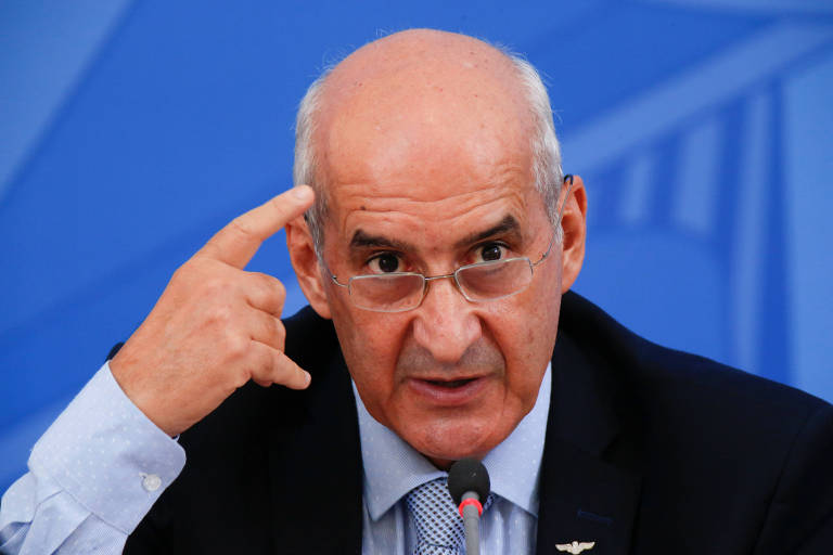 O ministro-chefe da Secretaria de Governo Luiz Eduardo Ramos: obrigado a negociar