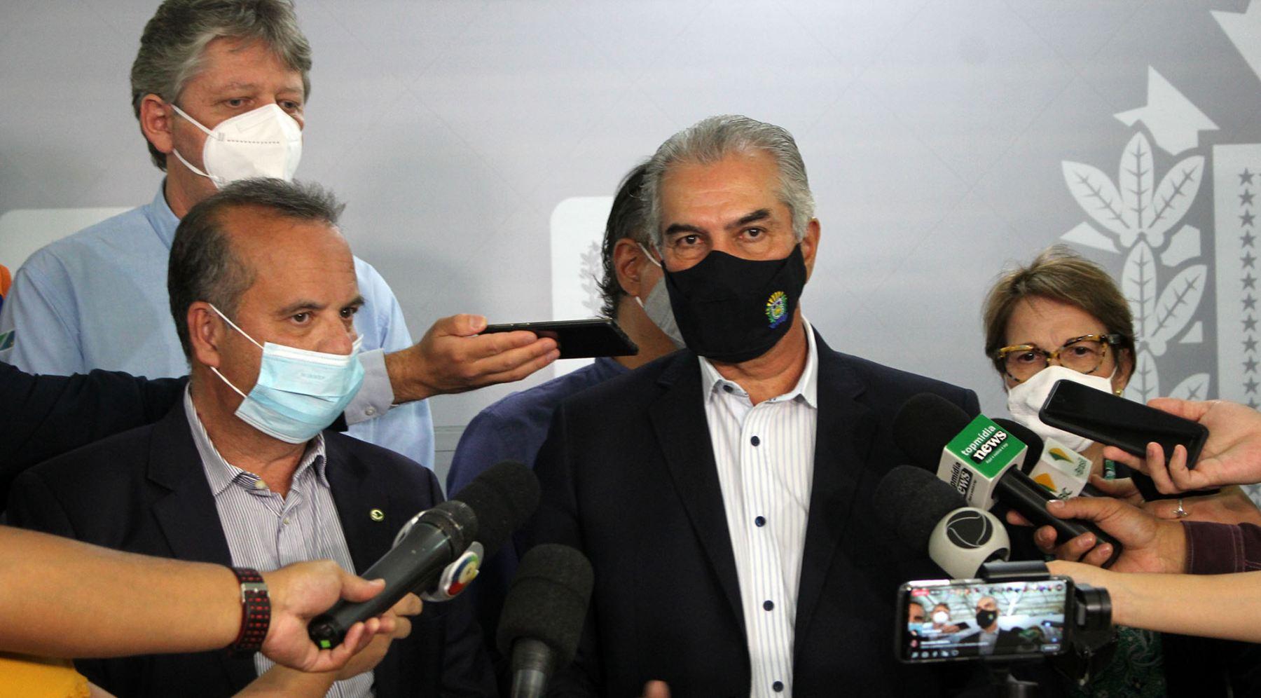"""""""Estamos enfrentando juntos esse problema causado pela pior estiagem dos últimos 50 anos"""", afirmou o governador Reinaldo Azambuja"""