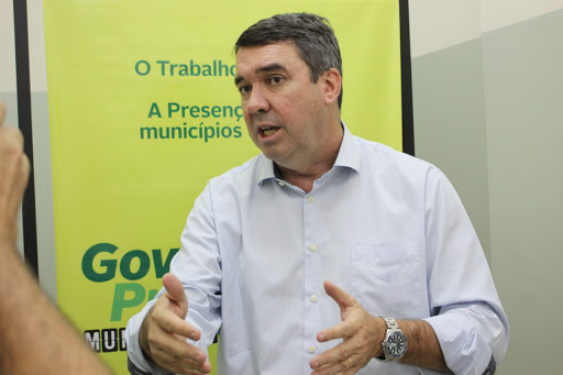 """""""Dar continuidade a um dos maiores projetos da história de MS, em relação a universalizar o saneamento básico do Estado"""", destaca Eduardo Riedel"""