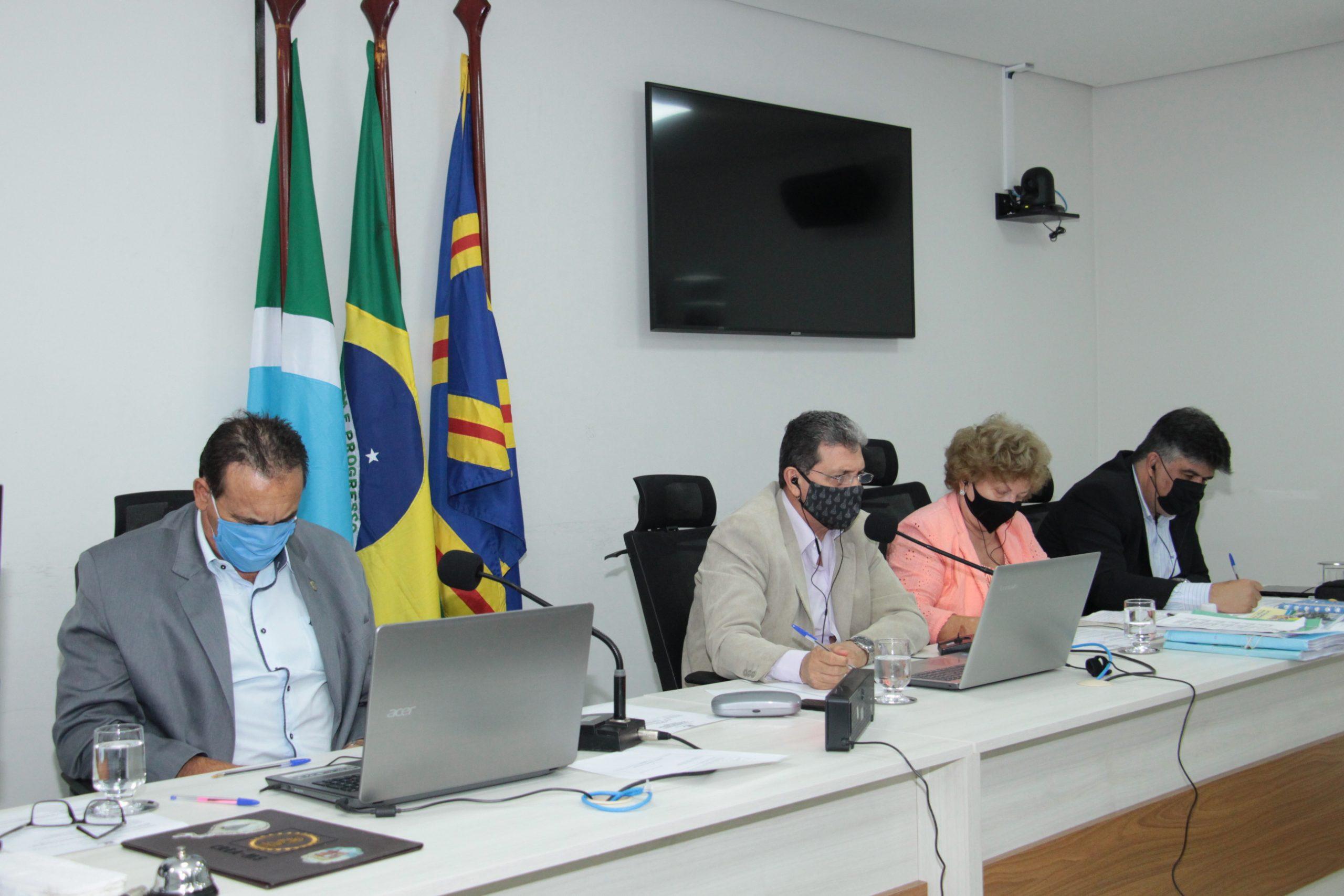 Os vereadores João Rocha e Carlão Borges durante sessão por videoconferência
