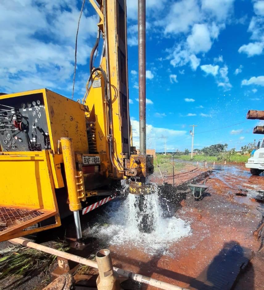 Município de Antônio João e distrito de Sidrolândia recebem obras de água e esgoto