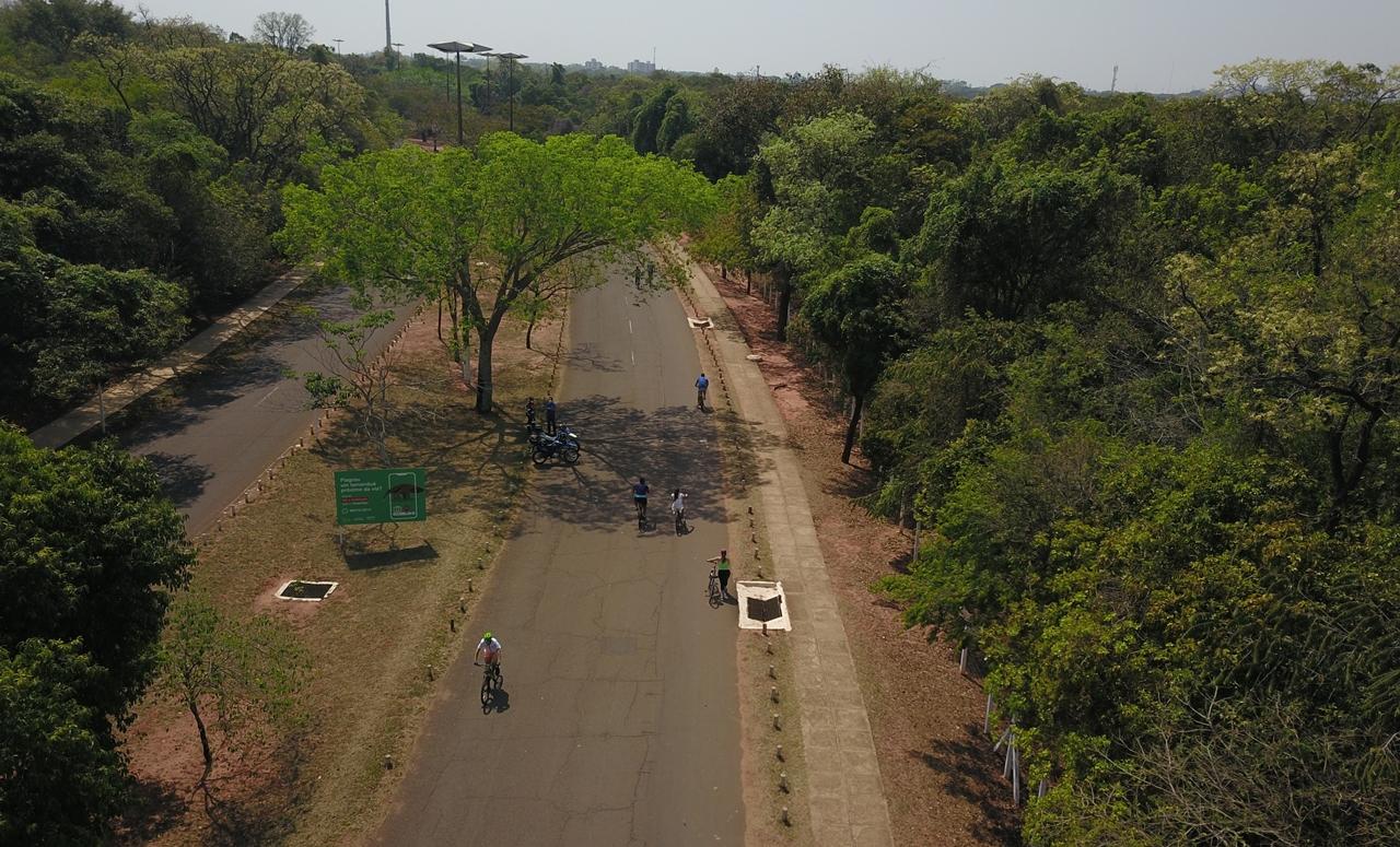 O 'Amigos do Parque' consiste no fechamento de uma das pistas do Parque dos Poderes para possibilitar a prática desportiva