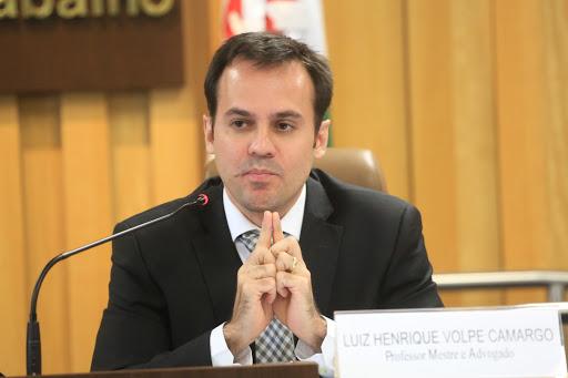 """""""Essas atividades vão promover oportunidades de aprendizagem ao longo da vida dos participantes"""", pontuou o professor Luiz Henrique Volpe Camargo"""