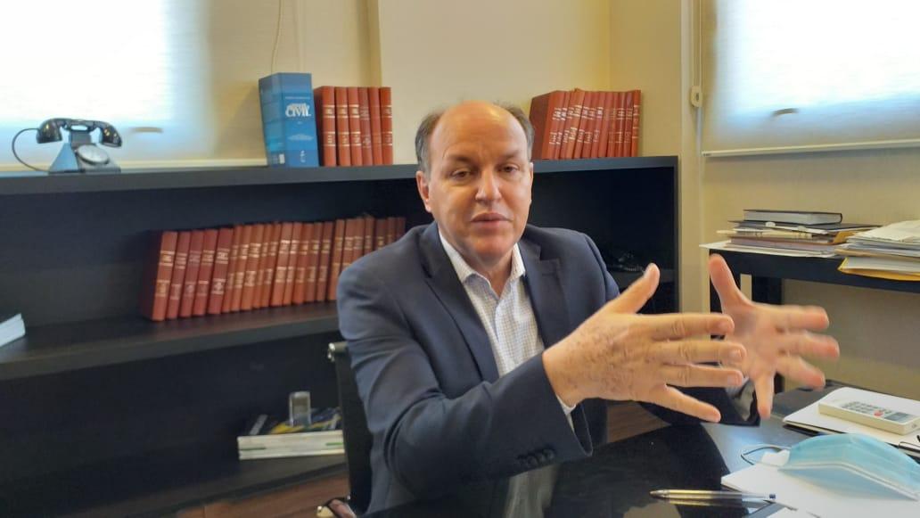 Segundo Júnior Mochi, cabe a André Puccinelli decidir se candidata ou não ao governo