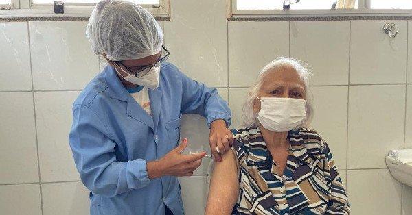 Vacinação de idosos reflete na redução das contaminações