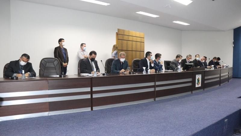 Várias proposições foram formuladas e votadas na 33ª sessão da Câmara Municipal
